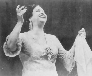 Um Kalthum performing live.